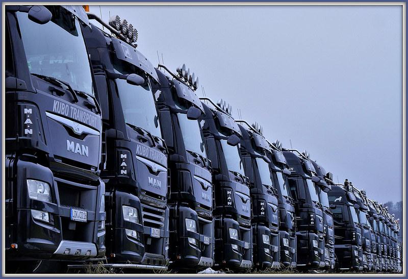 Wydajne i szybkie mycie samochodów ciężarowych.jpg