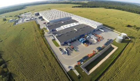 Branża motoryzacyjna stawia na inwestycje w logistykę