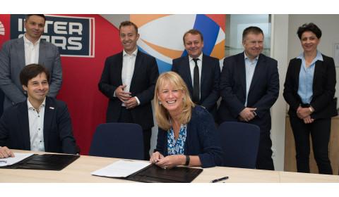 TOTAL Lubrifiants paziņo par jaunu stratēģisko sadarbību ar Inter Cars grupu