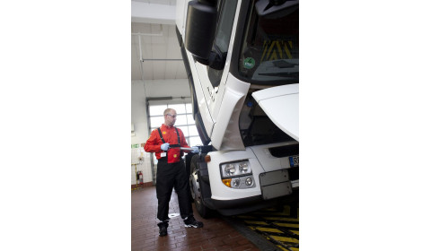 Oleje i smary jako źródła oszczędności w transporcie