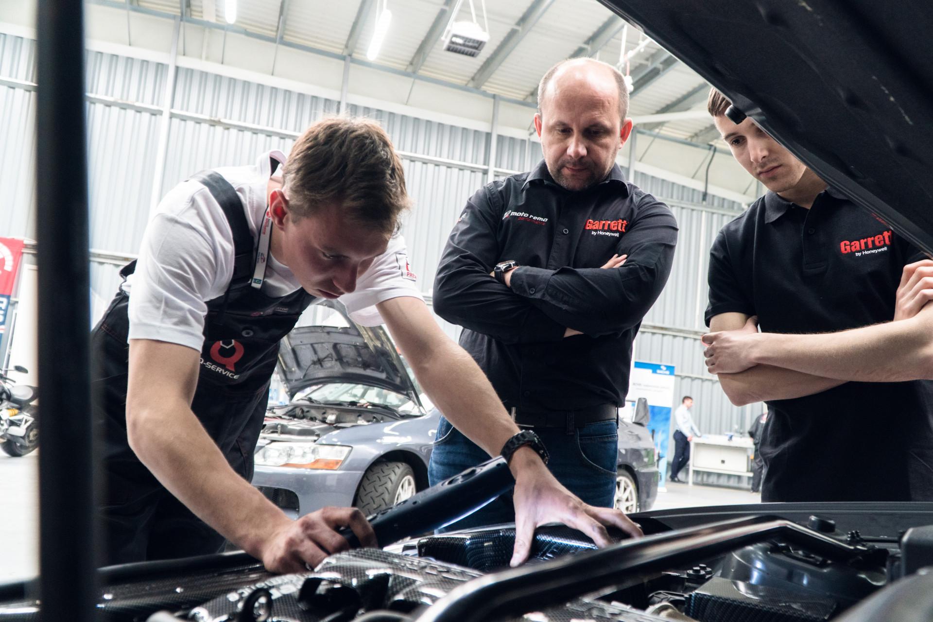 Krajowy finał Young Car Mechanic 2019.jpg