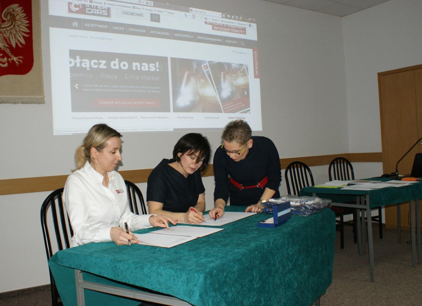 Kolejna szkoła dołącza do programy Młode Kadry (3).JPG