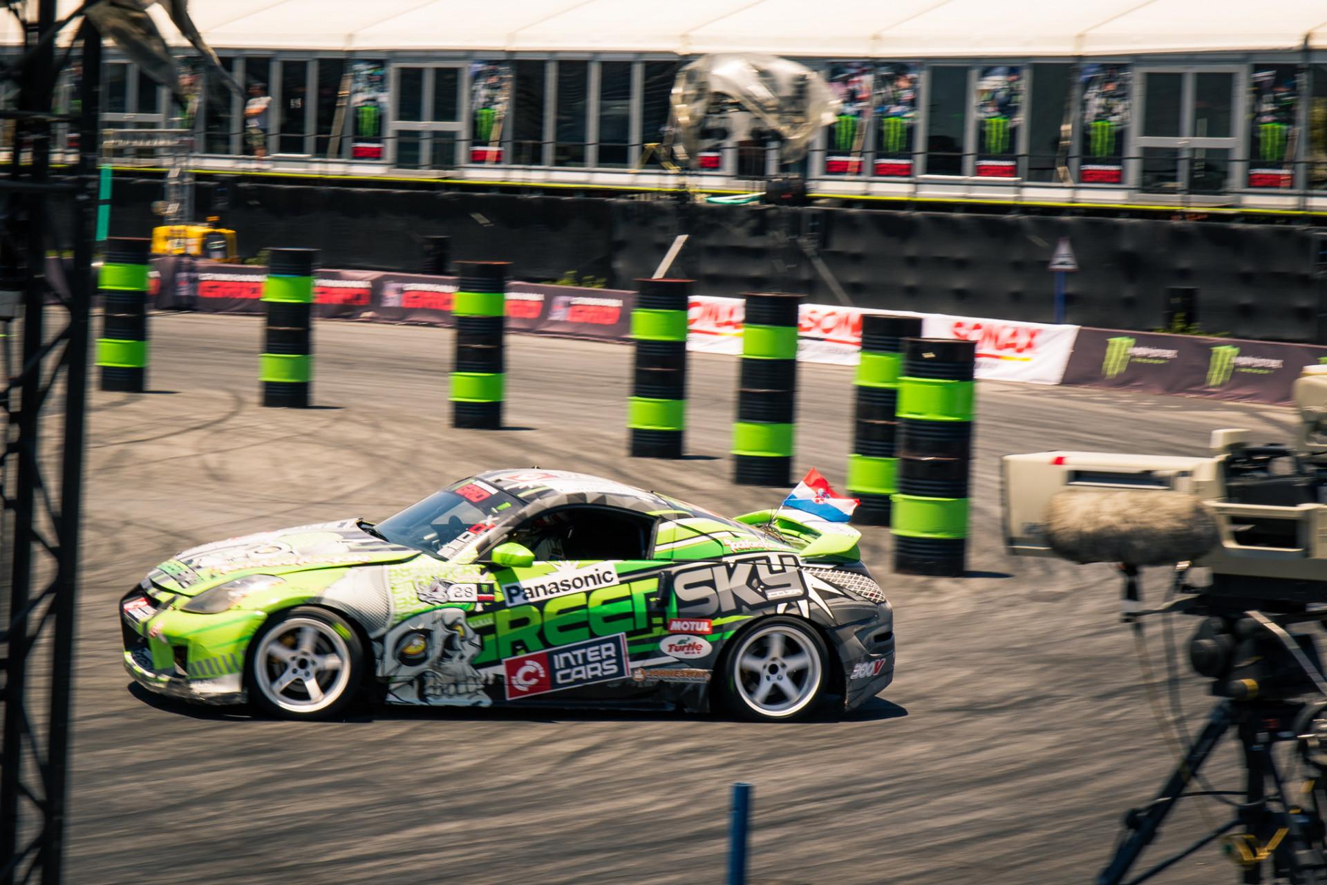 Race 6.jpg