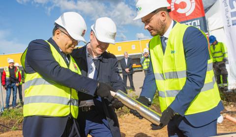 Inter Cars Latvija jaunās noliktavas kapsulas ierakšana