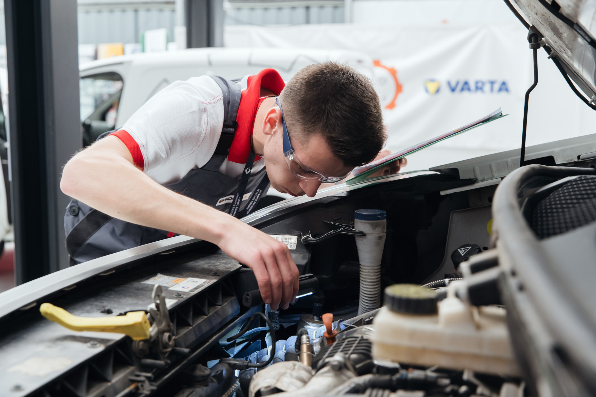 Young Car Mechanic_2019_04.jpg