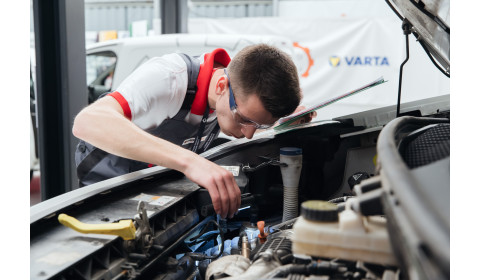 Young Car Mechanic 2020 na start!