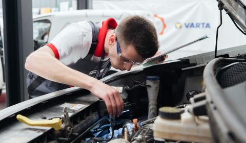 Young Car Mechanic 2020 na start!