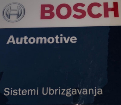 https://cdn.intercars.eu/files/5/0/5/7/7/50577/400x400,f.jpg?v=2020-02-12