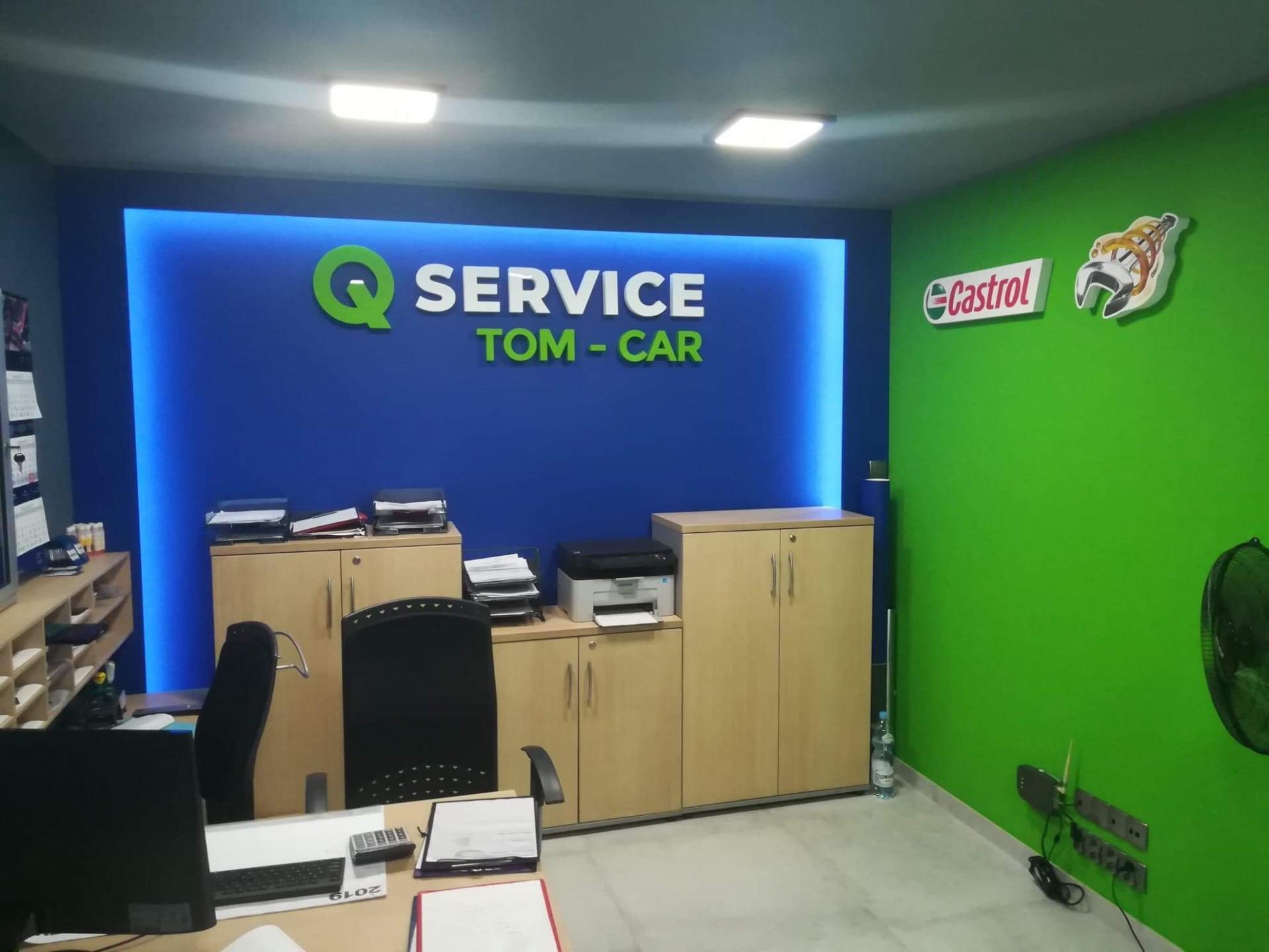 Q Service Castrol.JPG