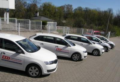 https://cdn.intercars.eu/files/6/3/9/9/2/63992/400x400,f.jpg?v=2021-01-02