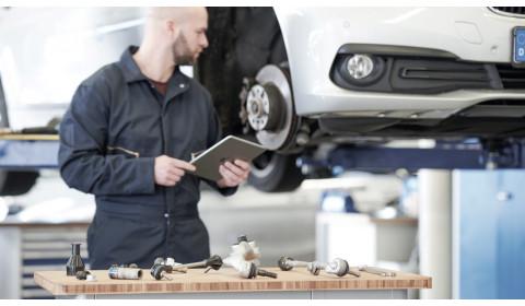 Kodėl reikia tikrinti važiuoklės gumines ir metalines dalis?