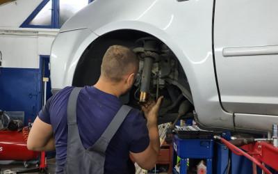 https://cdn.intercars.eu/files/6/4/3/2/7/64327/400x400,f.jpg?v=2021-01-20