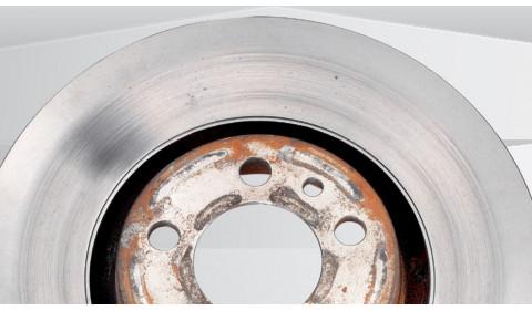 Patarimai autoservisui: kaip prižiūrėti ir remontuoti diskinius stabdžius?