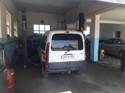 https://cdn.intercars.eu/files/6/8/1/0/8/68108/400x400,f.jpg?v=2021-04-26