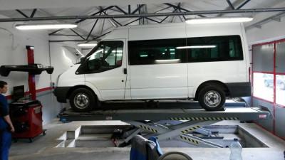 https://cdn.intercars.eu/files/7/3/9/0/8/73908/400x400,f.jpg?v=2021-08-30