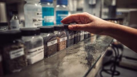 Anglies pėdsako mažinimas TMD stabdžių elementų gamyboje